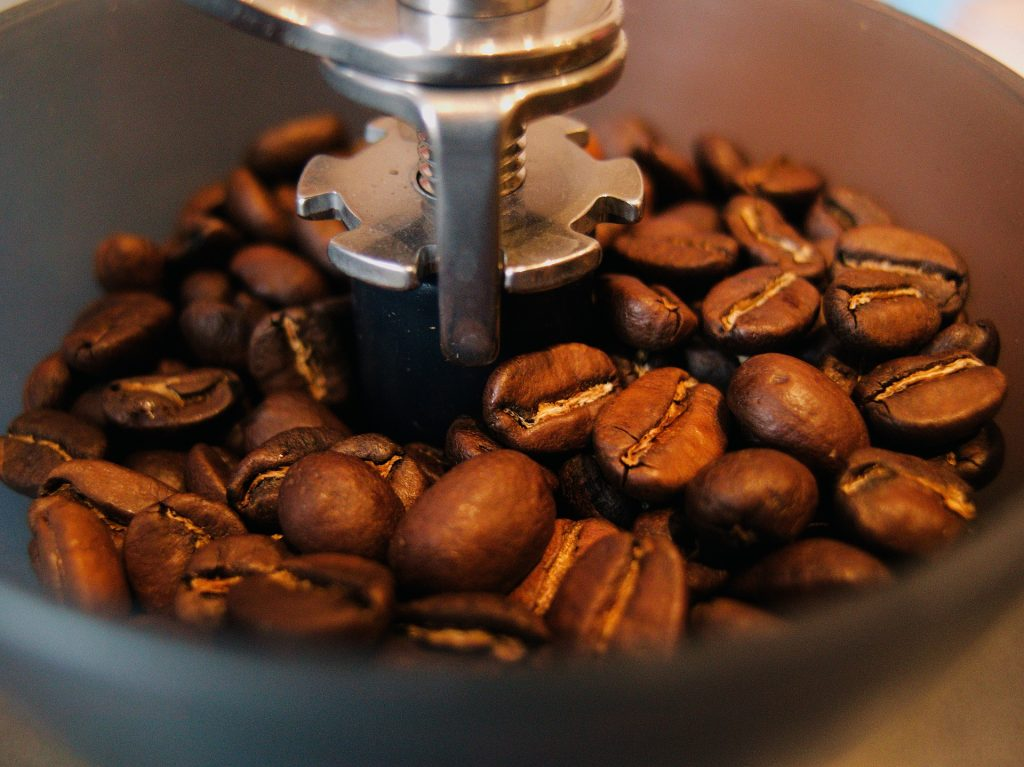 how to grind coffee beanswith a blender